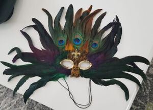 New Orleans Feather Mask -10$