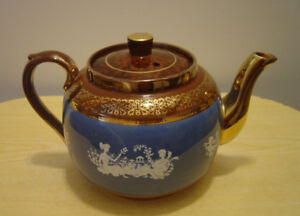 "Reduced! ""Sudlows"" Full Size Teapot"