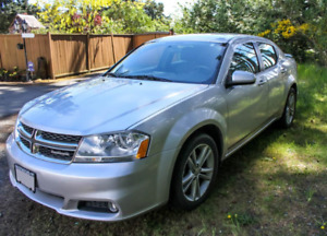 SLEEK+SUPER STYLISH 2011 DODGE AVENGER LOW KMs WITH HEATED SEATS