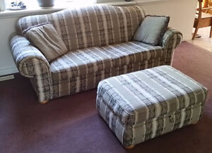 Couch/Chair/Ottoman set