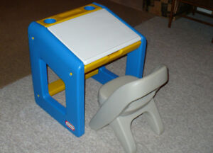 Little Tikes Desk and Chair Child Size with Opening Lid