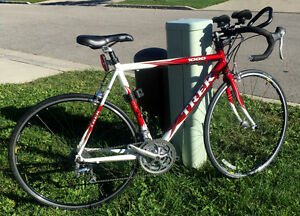TREK 1000 Triathlon Road Bike