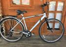 "Saracen Hyway Hybrid bike 18"" frame. 700cc Wheels. Fully working"