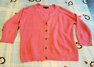 Jessica Sweater Size XL/18 - excellent condition