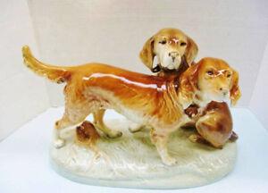 Vintage 1950s LARGE Kunst Hunting Dogs Figurine signed RARE