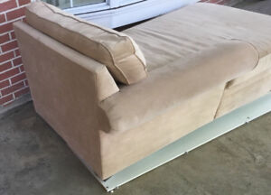 Right-Arm Beige Chaise lounge