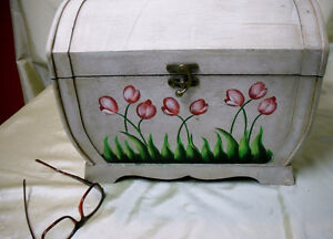 Wooden Storage Box with Tulips