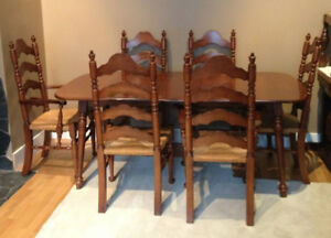 Gorgeous Vilas Dining Table With 6 Chairs