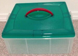 PLASTIC STORAGE CONTAINER WITH LID AND HANDLE