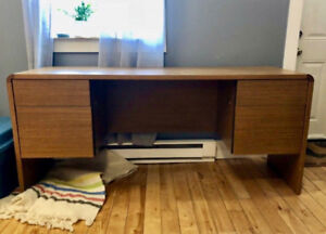 Custom iMac/Laptop Desk with Great Storage File Cabinet Drawers