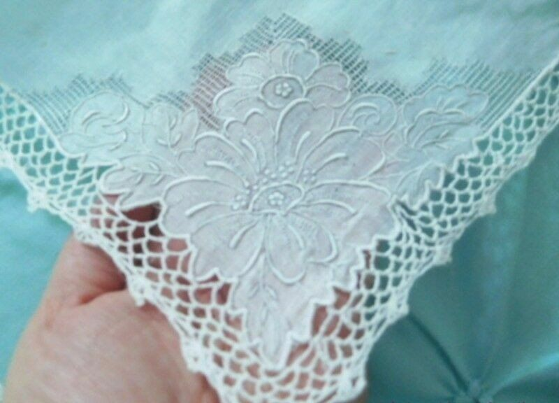 Vintage Romance ELABORATE Embroidery & CROCHET LACE Antique MADEiRA BRIDAL HANKY