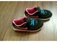 Baby girl nike air max trainer shoes size 9. 5