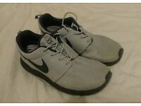 Nike Roshe One, Adult Eight and a half