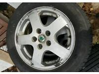 Skoda fabia / vag alloys and good tyres 185/60/14