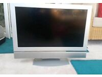 "Working 32"" TV"