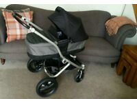 Britax Affinity Pushchair, Carrycot and Car Seat.