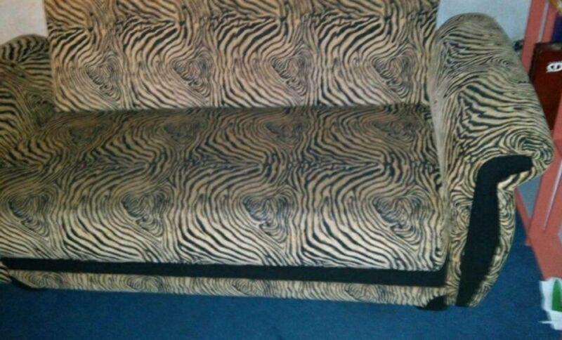 Gebrauchte Wohnwand Essen : Sofa und Sessel Tigermuster in Essen  EssenStadtmitte  eBay