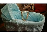 *REDUCED £25* BEAUTIFUL BABY BLUE MOSES BASKET