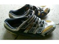 Shimano Carbon sole shoes size 42 and NEW SPD SL pedals Trek Cannondale Giant