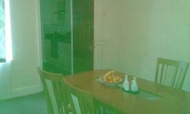 room to rent s9