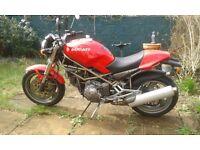 Ducati 900 Monster