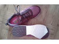 PINK & BLACK SKECHERS AIR COOLED MEMORY FOAM TRAINERS SIZE 5 WORN ONCE INDOORS