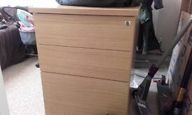 Set of office drawers in good condition