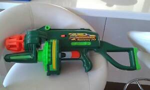 Buzz Bee air blaster Automatic Tommy 20 + Nerf gun x 2 Howrah Clarence Area Preview