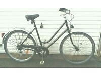 Awesome Ladies French hybrid lightweight townbike