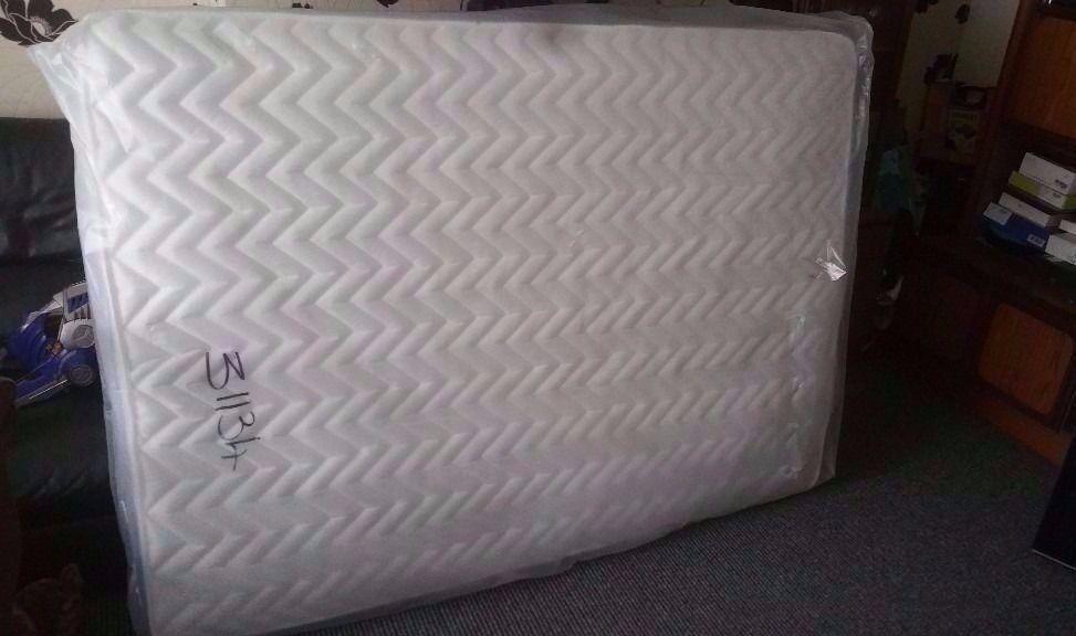 Brand new Mattress Air sprung luxury quality 135 cm 190 cm £75