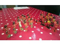 Crescent plastic toy soldiers