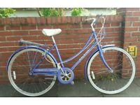 Ladies Raleigh Caprice stepthrough townbike in great condition