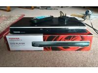 Toshiba sd1015kb dvd player + remote + scart cable