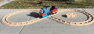 Pick up Only Peg Perego Thomas the Train ride on with Figure 8 Track +4