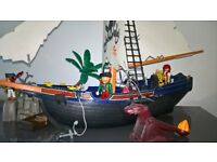 Play mobil Pirate Ship and Treasure Island including all characters and small parts