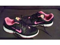 Nike Core Motion Trainers. Size 7.5.
