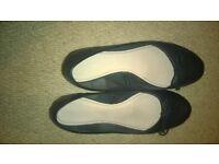 worn ladies shoes size 7 - black flats