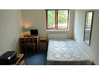 Large and brigth room for single occupation