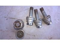 Locking Wheel Bolts with key, Good condition. Peugeot 406