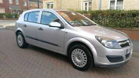 2006 Automatic Vauxhall Astra 1.8 i 16v Life 5dr 1 previous owner. Low Mileage