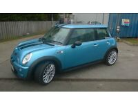 mini cooper s low milage with panoramic roof