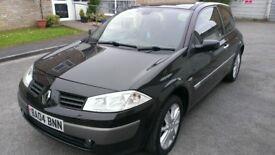Black 2004 Renault Megane Dynamique 1.6 16v Petrol 3 Door Hatchback in very good condition