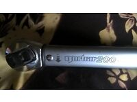 highest quality norbar pro 200 reversable 1/2 inch torque wrench 40--200n.m--30--150 lb.ft