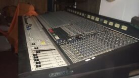 Soundcraft series 5. 2500 Mixing Desk - 32 Channel -Christchurch