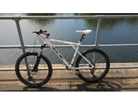 GT Avalanche 2.0 Mountain Bike HOT DEAL!!! With Rockshox Tora Front Suspension Folks