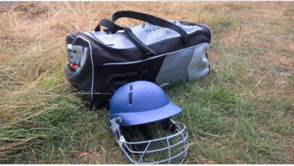 a63a39ebfe Cricket Bag and helmet | in Wandsworth, London | Gumtree