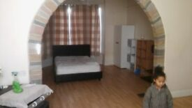 2 very large Double room avalible today