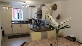 ROOM AVAILABLE, NICE RESIDENTIAL AREA