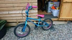 Apollo Roxie 16 girls bike