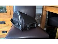Autokicker Rear seat bag